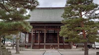 真宗寺の本殿