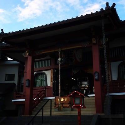 放生寺の本殿