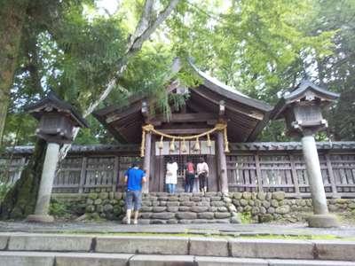 諏訪大社上社前宮の本殿