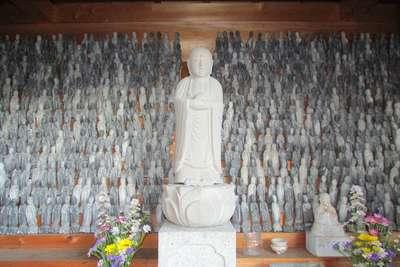 秋葉寺の地蔵