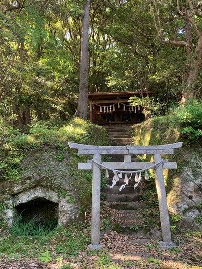 四宮神社の末社