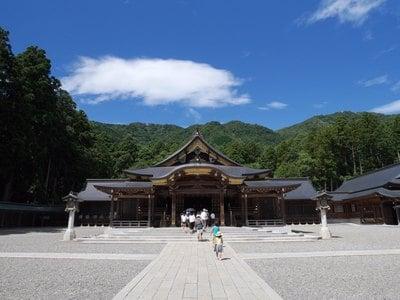 彌彦神社の本殿