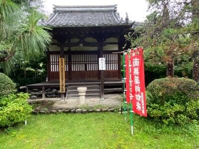 万尺寺の本殿