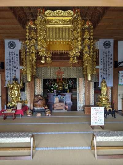 小山寺の本殿