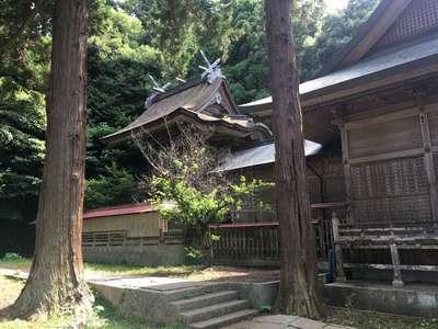 由良比女神社の本殿