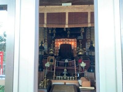 薬王院円如寺の本殿