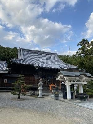 金泉寺の本殿
