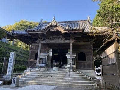 熊谷寺の本殿