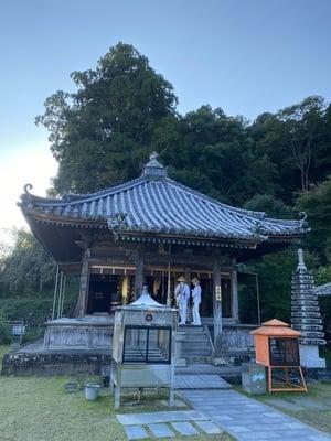 平等寺の本殿