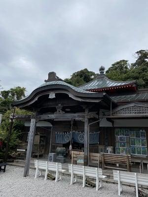 津照寺の本殿