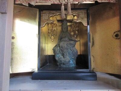 華厳寺の本殿