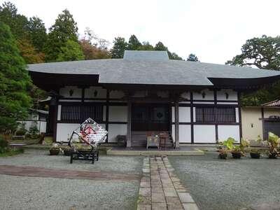 長安寺の本殿
