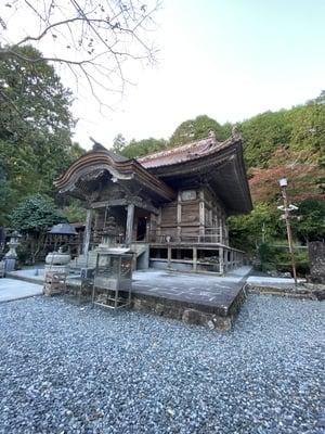 明石寺の本殿