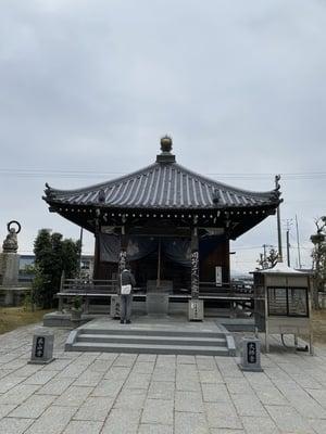 泰山寺の本殿