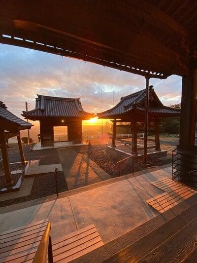 陽興寺の山門