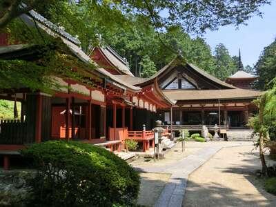 長命寺の本殿