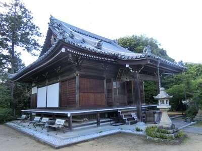 子安地蔵寺の本殿