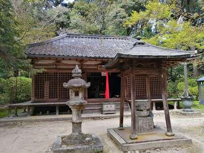 長岳寺の本殿
