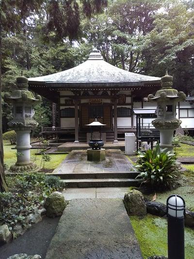 三寳寺の本殿