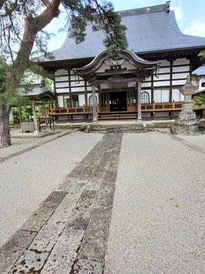 與楽寺の本殿