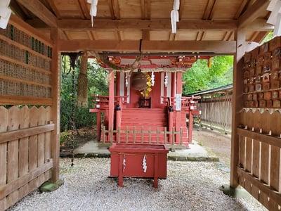 大和神社の本殿