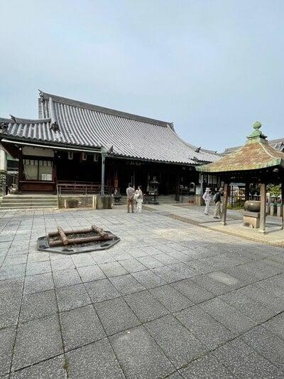 法楽寺の本殿